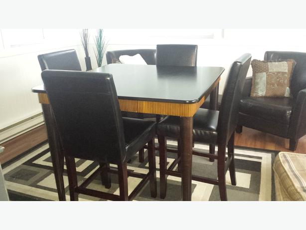Pier 1 Counter Or Bar Height Table And Four Chairs Saanich