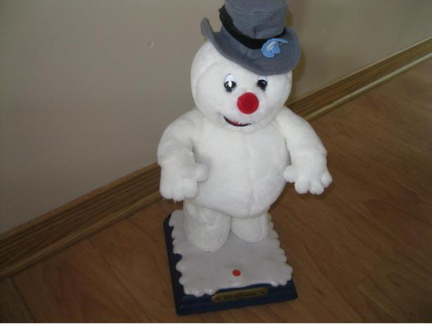 "19"" Singing Snowman"