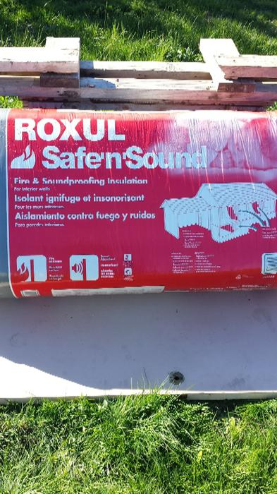 4 bags of roxul safe and sound insulation saanich victoria. Black Bedroom Furniture Sets. Home Design Ideas