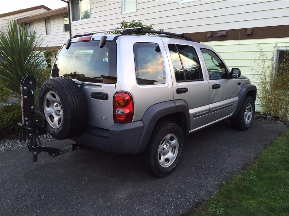 2002 jeep liberty sport 4x4 v6 3 7l north saanich sidney. Black Bedroom Furniture Sets. Home Design Ideas