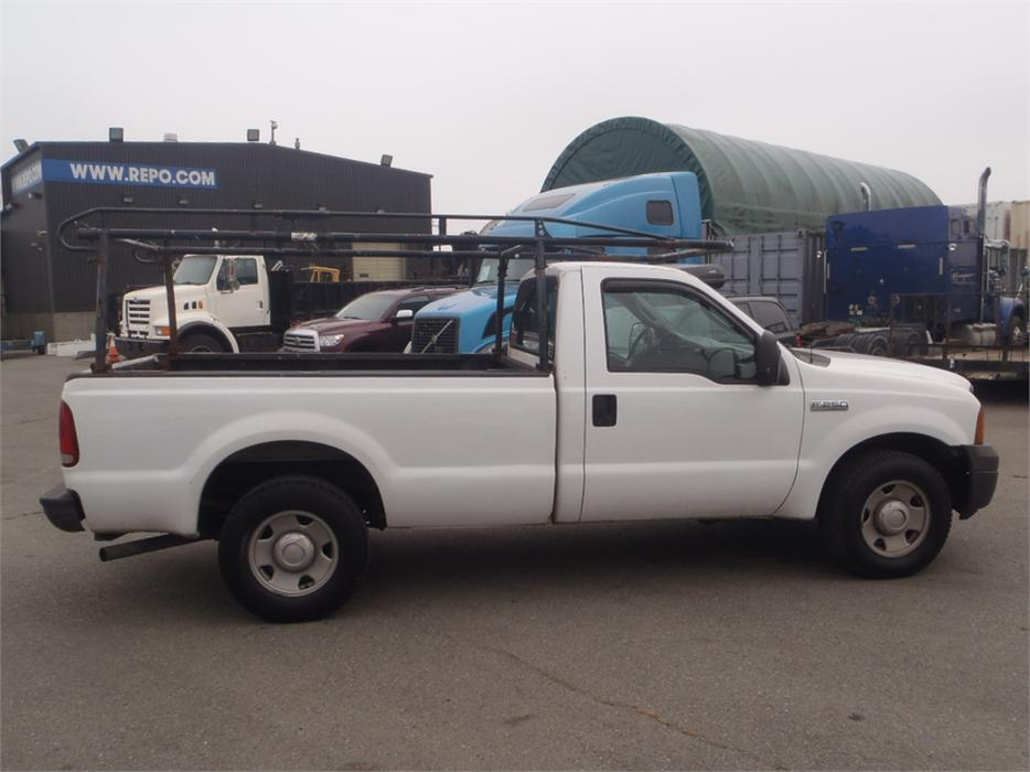 2006 ford f 250 xl sd regular cab long box 2wd outside comox valley campbell river mobile. Black Bedroom Furniture Sets. Home Design Ideas