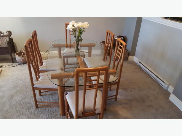 REDUCED Dining Room Table Solid Teak frame with Glass  : 49361688614 from www.usedvictoria.com size 614 x 461 jpeg 34kB