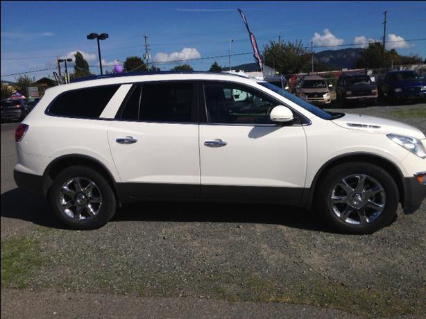 2010 buick enclave cxl outside comox valley comox valley. Black Bedroom Furniture Sets. Home Design Ideas
