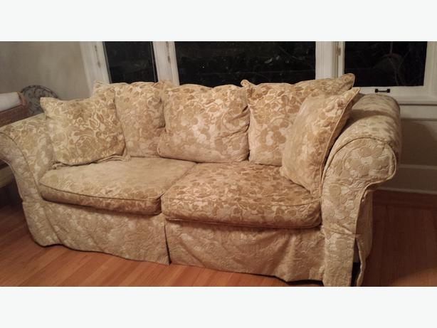 Shabby Chic Sofa And Chair And A Half With 2 Slipcovers Oak Bay Victoria Mobile