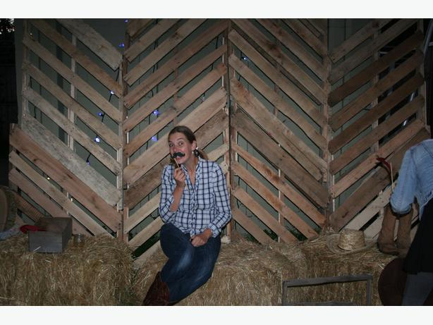 3 bales of hay for decor purposes oak bay victoria for Bales of hay for decoration