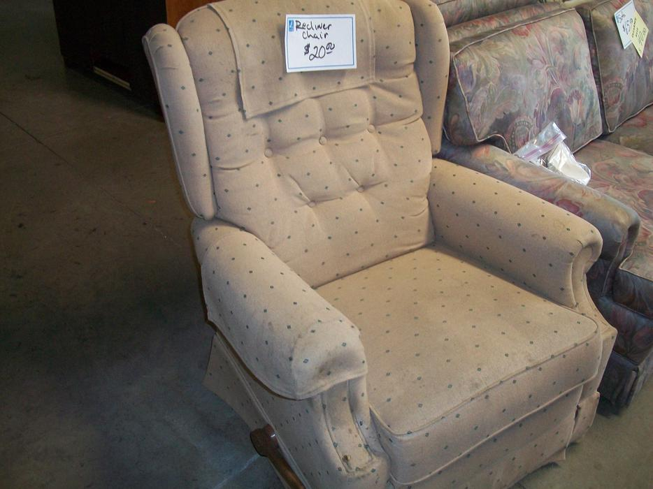 Was 20 Lazy Boy Recliner Style Chair For Sale At St