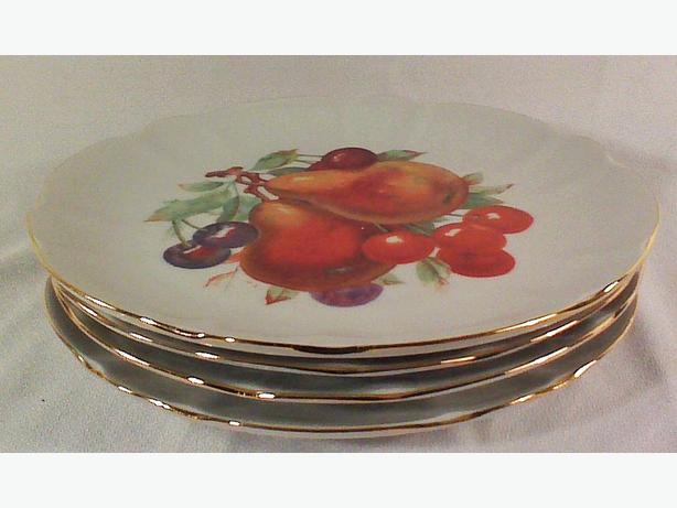Winterling Schwarzenbach fruit plates