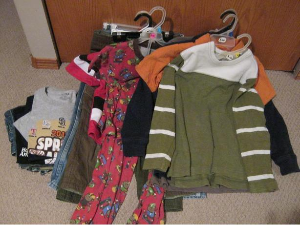 12 boys clothing items in size 6 for one price
