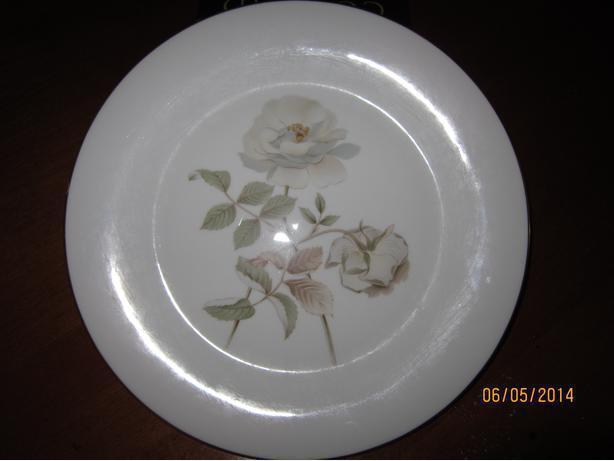CHINA ROYAL DOULTON TABLEWARE H5050 YORKSHIRE ROSE