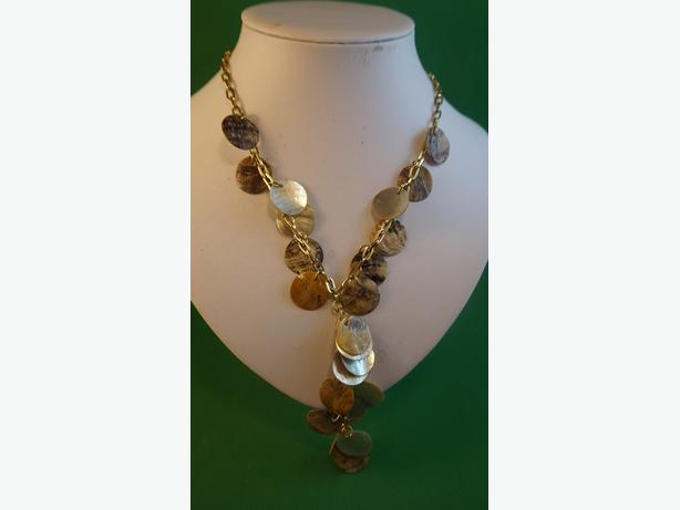 4u2c SHELL MEDALLION NECKLACE 18 INCH AND 3 1/2 DANGLE