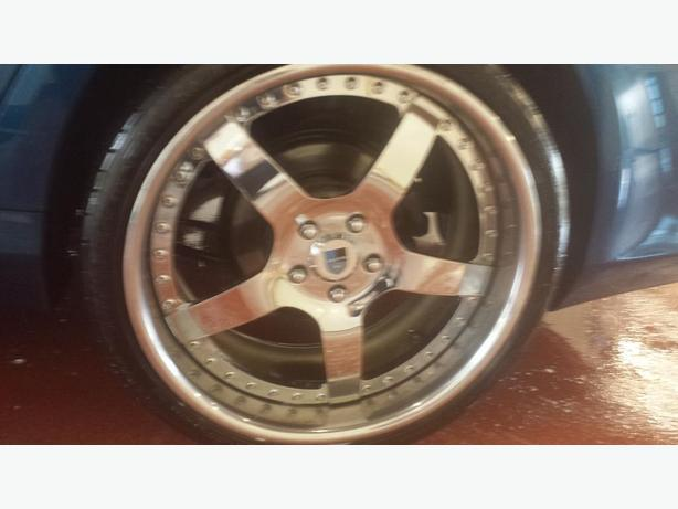 "Asanti AF112's 20"" chrome rims with rubber"