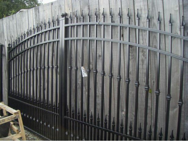 Aluminum  garden gates   and drive way gates   lots in stock
