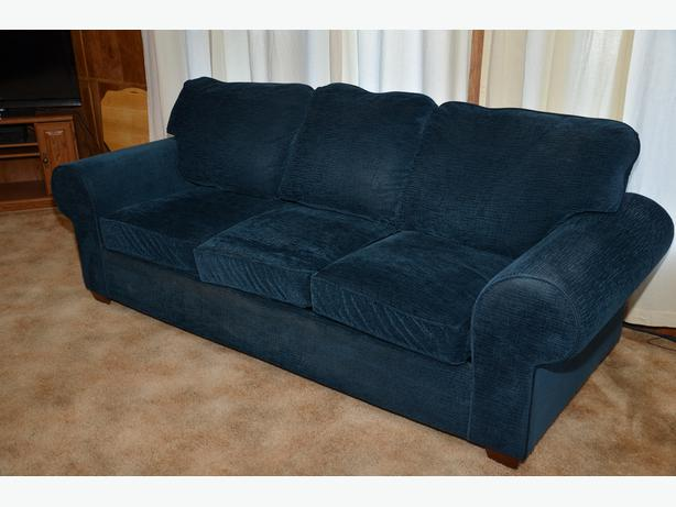 Free Queen Size Hide A Bed Couch North Nanaimo Nanaimo