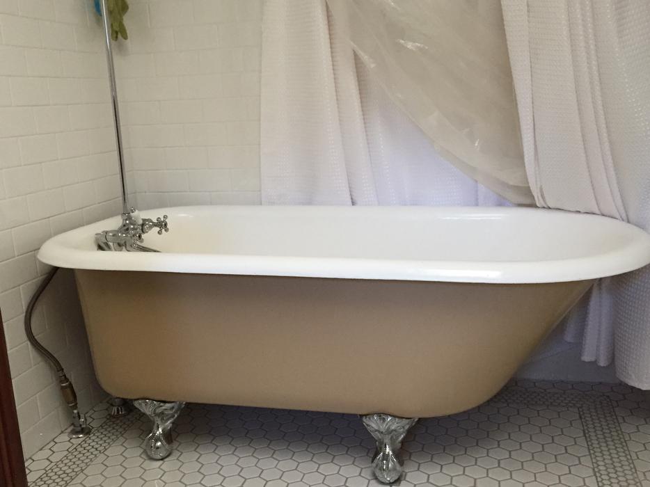 5 39 Cast Iron Clawfoot Tub Victoria City Victoria