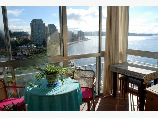 Furnished Seaside Condo with Sweeping Ocean Views in West Vancouver #684