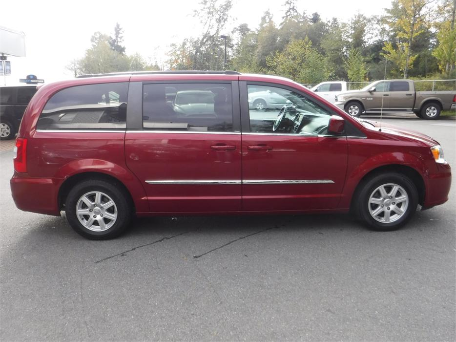 2012 Chrysler Town Amp Country Stow Amp Go Navigation