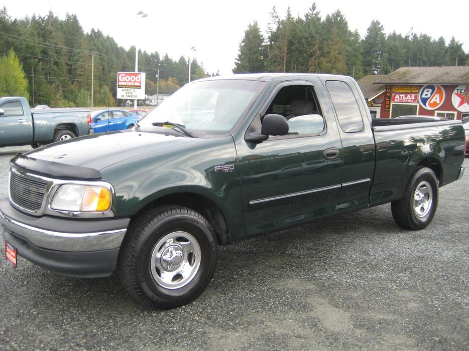 2001 ford f150 ext cab v6 with nice michelin tires outside comox valley campbell river mobile. Black Bedroom Furniture Sets. Home Design Ideas