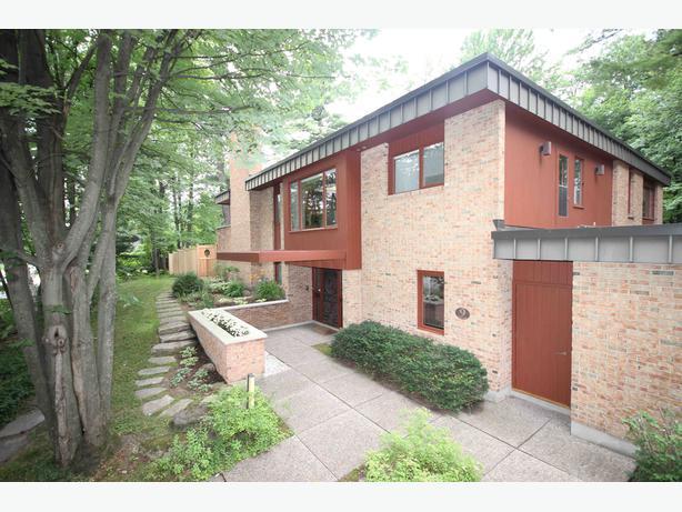 Ottawa Properties - 9 Avonlea Road