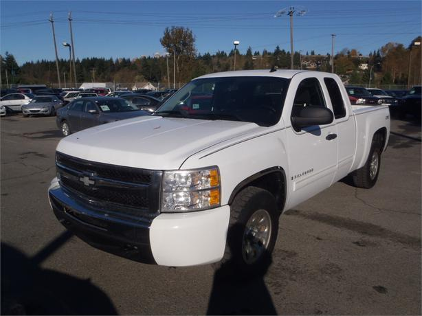 2009 chevrolet silverado 1500 ext cab regular box 4wd outside comox valley comox valley. Black Bedroom Furniture Sets. Home Design Ideas