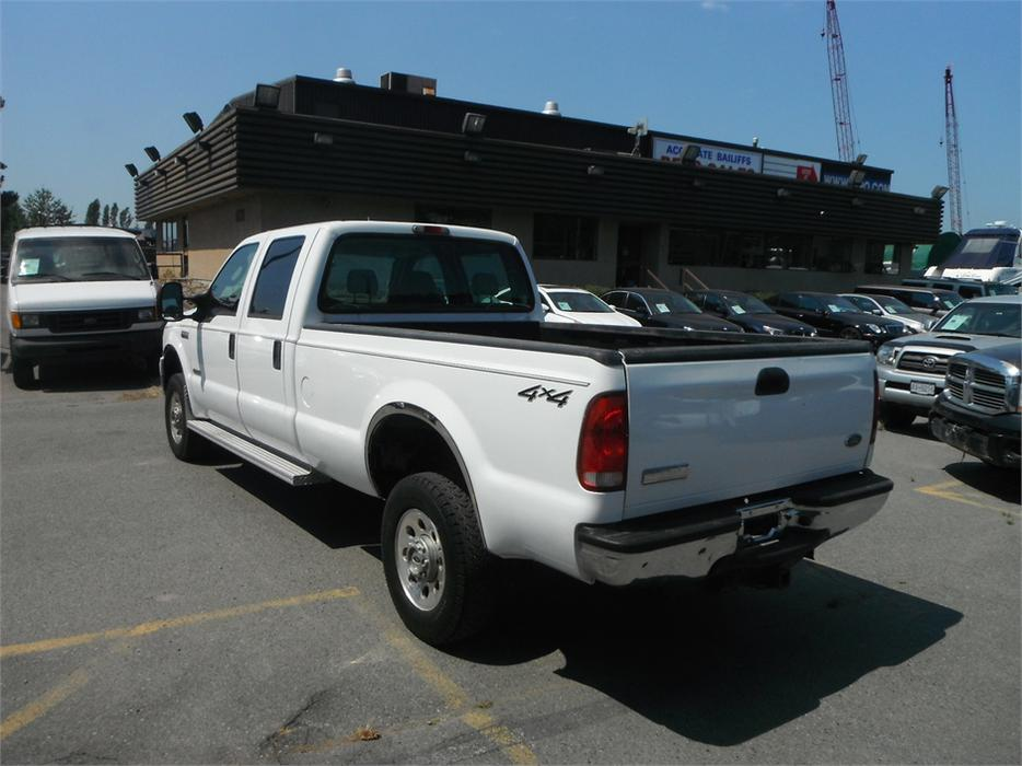 2006 ford f 350 sd xlt crew cab outside comox valley comox valley mobile. Black Bedroom Furniture Sets. Home Design Ideas