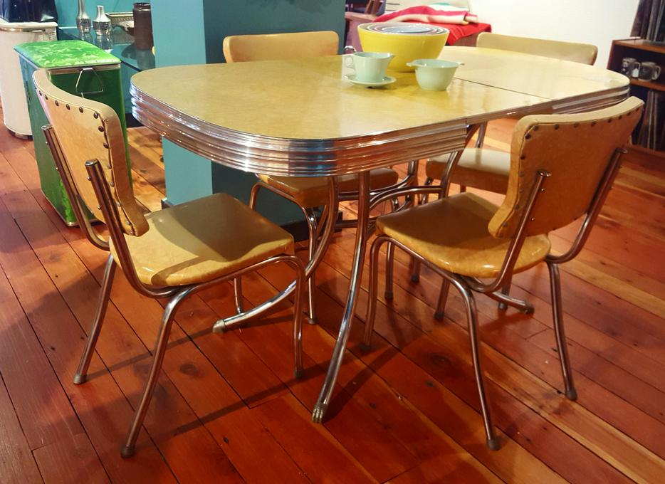 Sale 1950 39 s vintage dinette table and chairs victoria city for Dining room tables victoria bc
