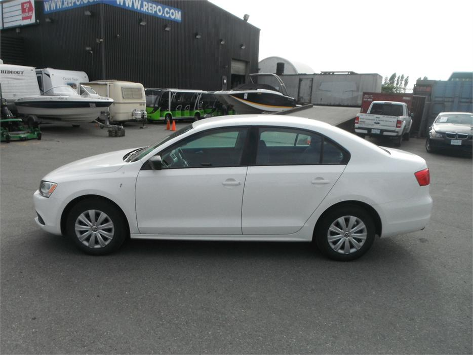 2013 volkswagen jetta s outside comox valley comox valley. Black Bedroom Furniture Sets. Home Design Ideas