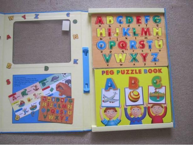PEG PUZZLE READ AND PLAY SET
