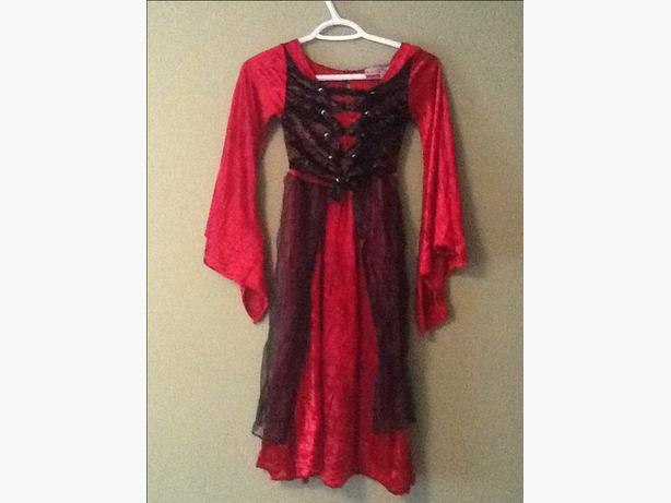 Black and Red Dress Halloween Costume M (7-8)