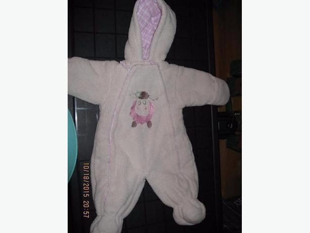 Carter's Baby Girl 1pce snowsuit 6-9M