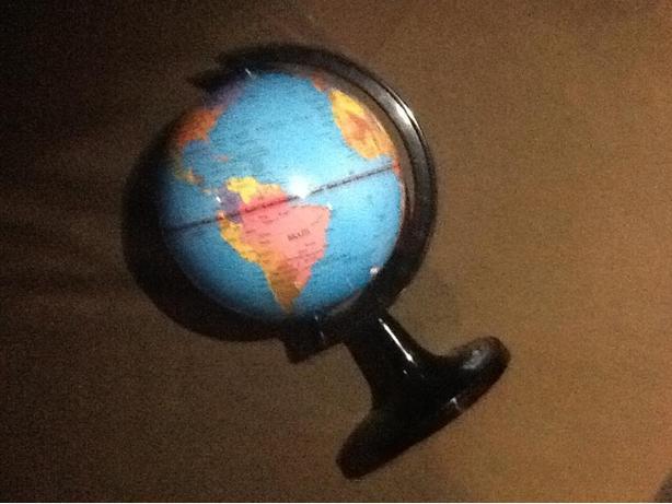 "6"" World Globe on axis"