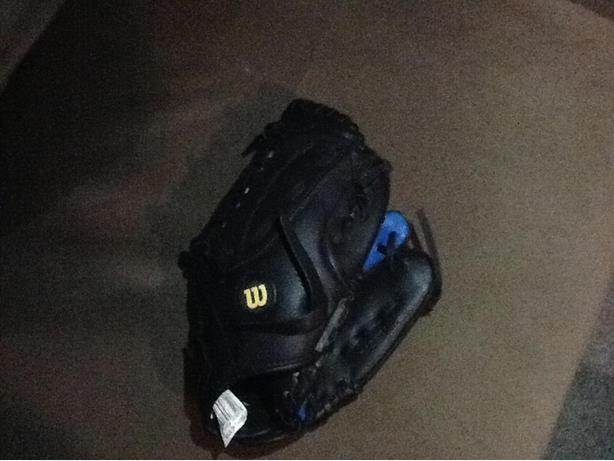New Black and Blue Wilson LH baseball glove 6""