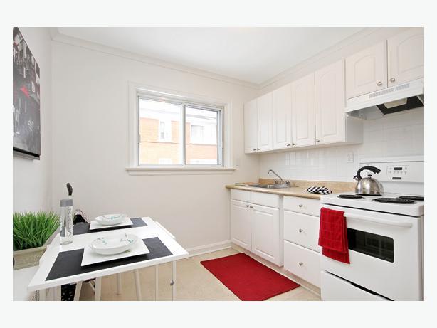 Bright Spacious 2 Bdrm Apt For Rent In Ottawa East Central Ottawa Inside Greenbelt Ottawa