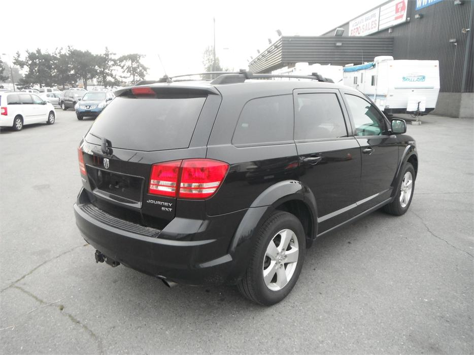 2009 dodge journey 3rd row seating sxt outside comox valley comox valley. Black Bedroom Furniture Sets. Home Design Ideas