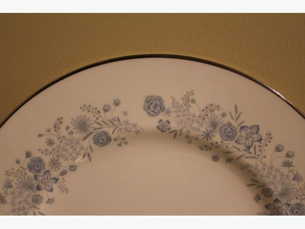 ESTATE SALE:   VINTAGE WEDGEWOOD ENGLISH BONE CHINA