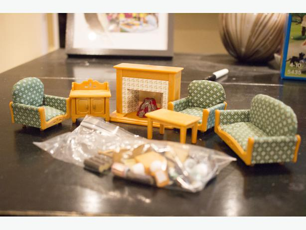 sylvanian families / calico critters living room furniture set