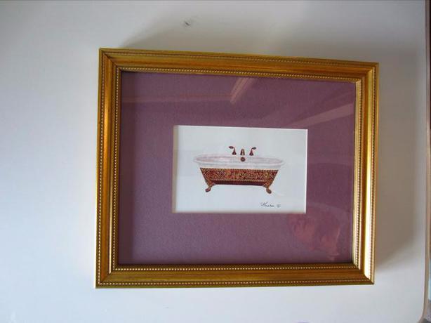 Elegant Bathtub Print