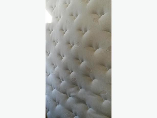 KING SIZE MATTRESS AND BOX SPRINGS.  EUC