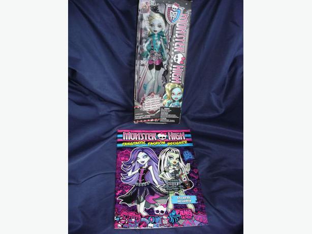Monster High LAGOONA BLUE Black Carpet Doll NEW + Bonus !