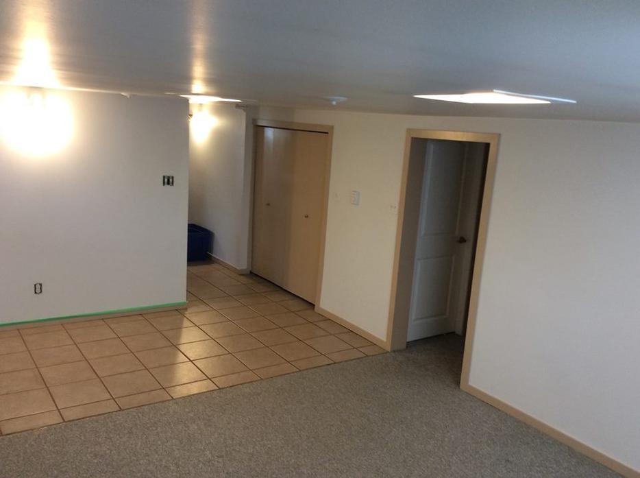 July 1st 2 Bedroom Basement Suite Esquimalt View Royal Victoria Mobile