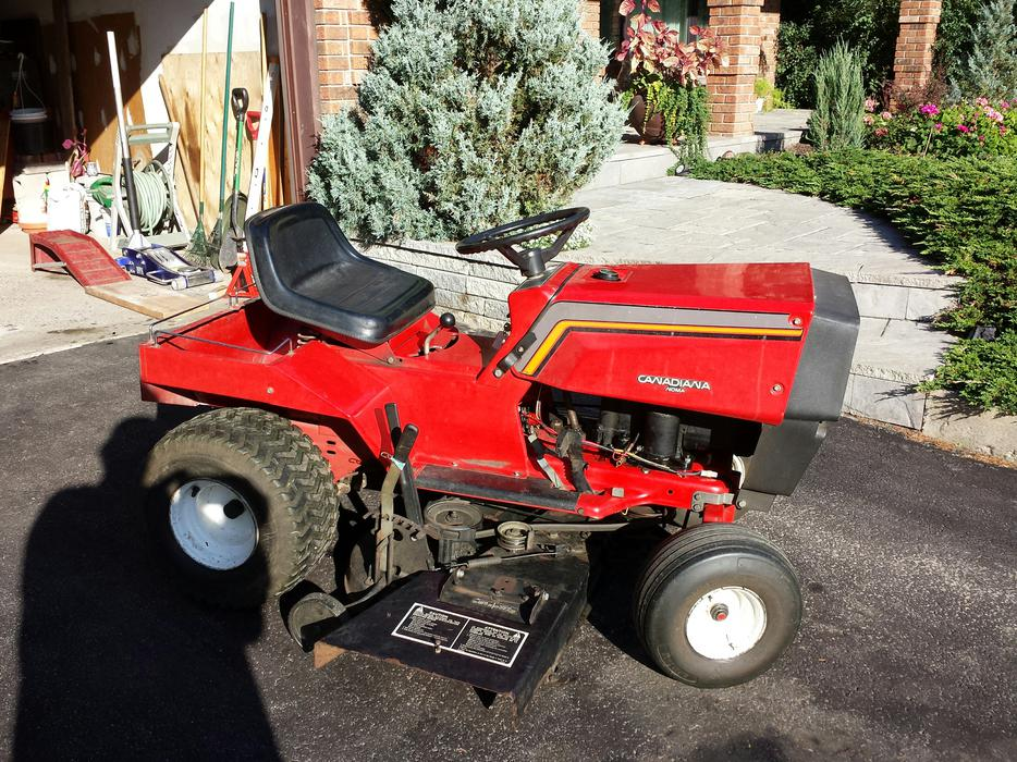 Lawn Tractor Canadiana   Noma 11 Hp Riding Mower Nepean  Ottawa