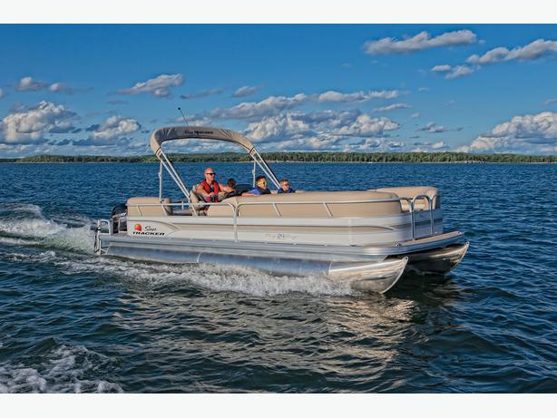 2015 Sun Tracker Party Barge 24 RF DLX