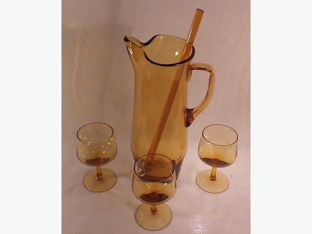 Amber glass cocktail pitcher set