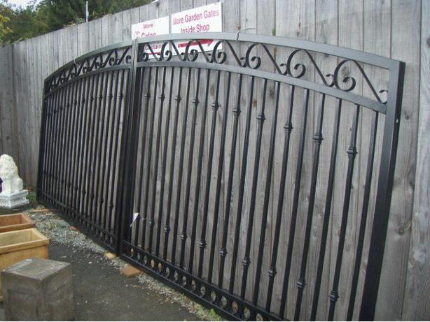 Aluminum driveway gates and side gates new container in for Aluminum driveway gates prices