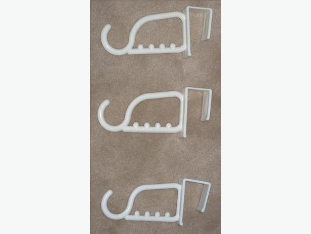 5 New White Plastic Clothes or Towel Hooks