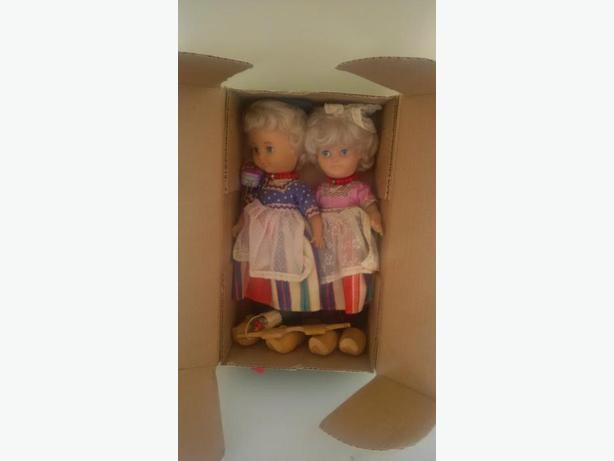 Dutch Dolls