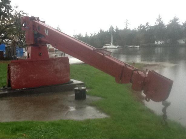 Pitman hydraulic 8 ton crane, 45' reach