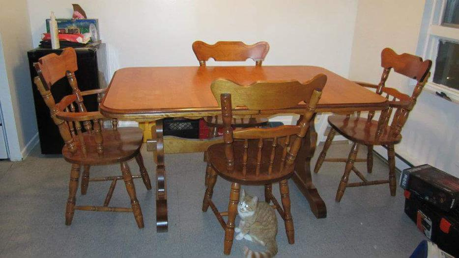 Solid maple dining room set obo gloucester ottawa for Dining room sets under 500 00