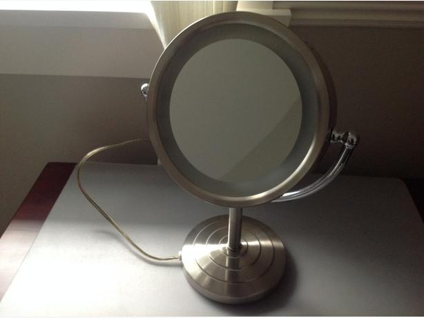 Lighted Make Up Mirror Saanich Victoria