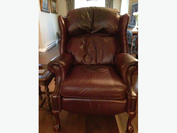 Leather wingback reclining chair north saanich sidney for Leather wingback recliner sale