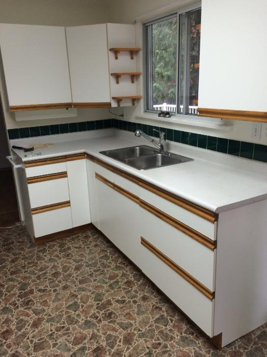 free used kitchen cabinets free kitchen cabinets central saanich mobile 15617